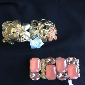 2 Beautiful coral and gold stretch bracelets NWT